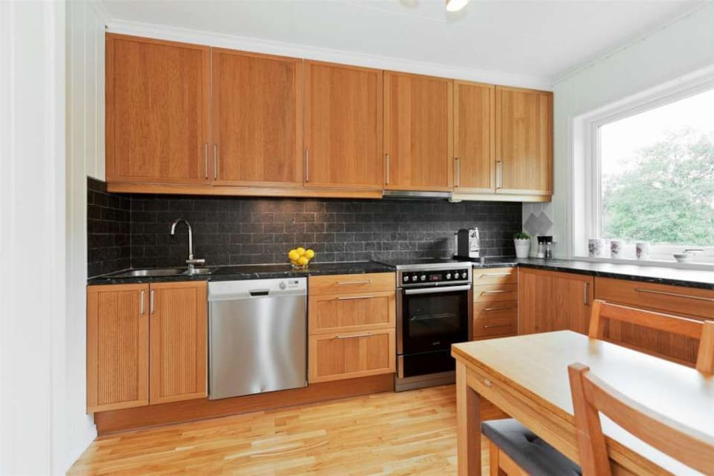 Nice sized and modern kitchen