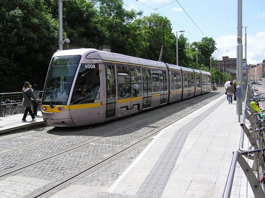 Luas 5 minutes away straight into town