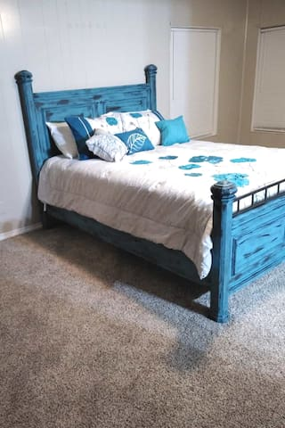 Queen bed!