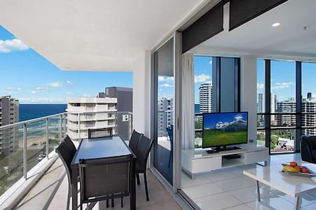 Artique Resort 2 BR Apartment in Surfers Paradise - Surfers Paradise - Apartment
