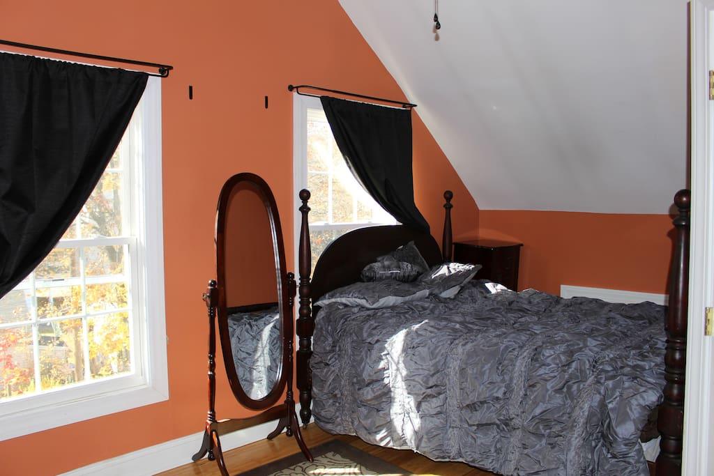 Bedroom in Private Apt