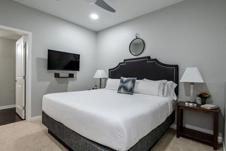 Zealous One Bed on California Street