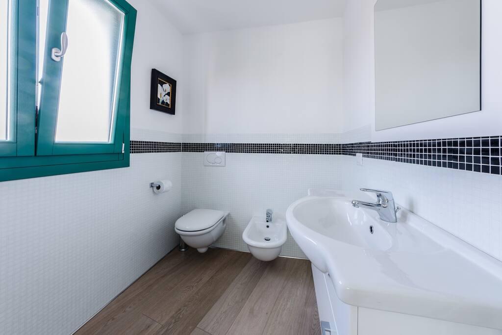 Belle camere con bagno privato pernottamento e colazione in affitto a palau sardegna italia - Ostelli londra con bagno privato ...
