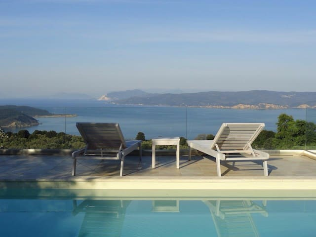 Luxury charming villa, private pool - Sporades - House