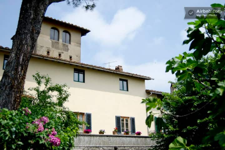 "B&B in Tuscan villa near Florence - room  ""M"""