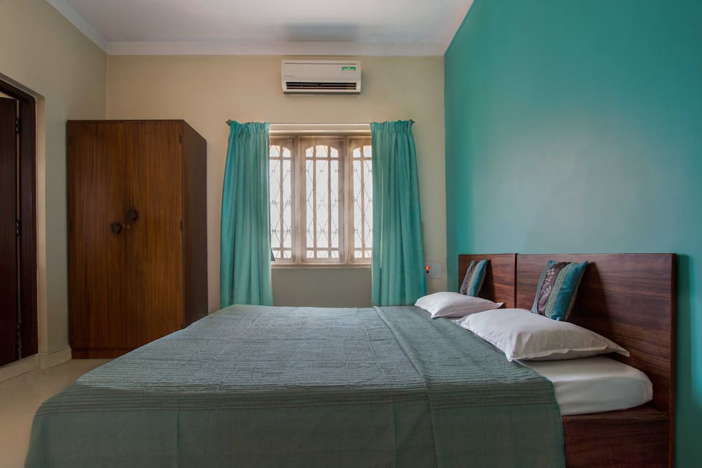 Standard Turquoise room in the property