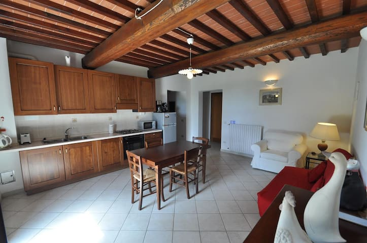 Family Ground Fl. Apartment with Garden Pool WiFi - Fucecchio - Byt
