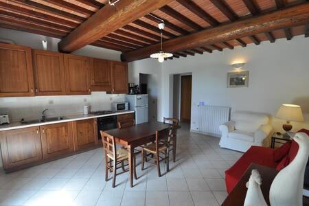 Family Ground Fl. Apartment with Garden Pool WiFi - Fucecchio - 公寓