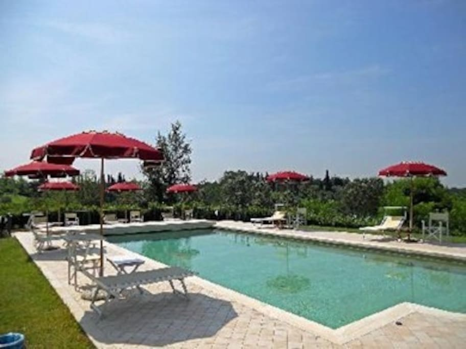 La nostra meravigliosa piscina!