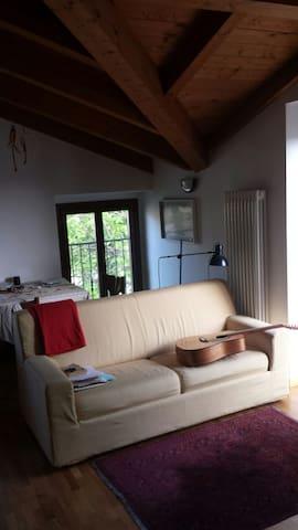 Stanza in accogliente bilocale - Bernareggio - อพาร์ทเมนท์