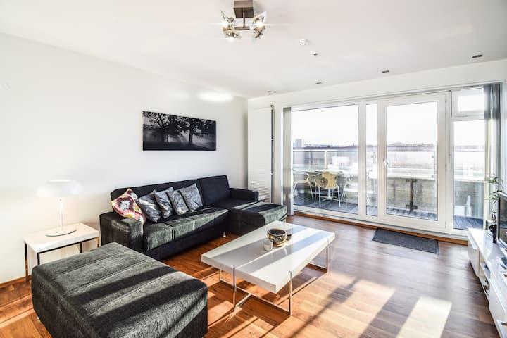 Hlemmur Plaza - Sea View Apartment