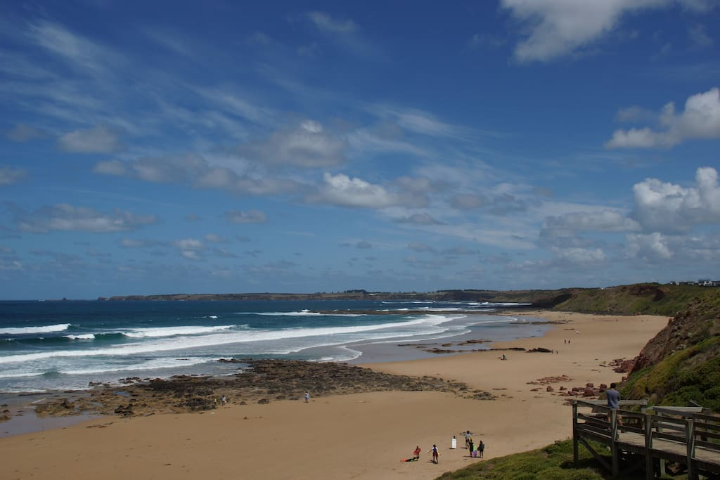 Metres from stunning surf beach houses for rent in for Beach house designs phillip island