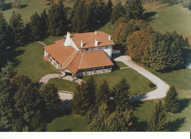 Villa Normandia - Besana in Brianza - วิลล่า