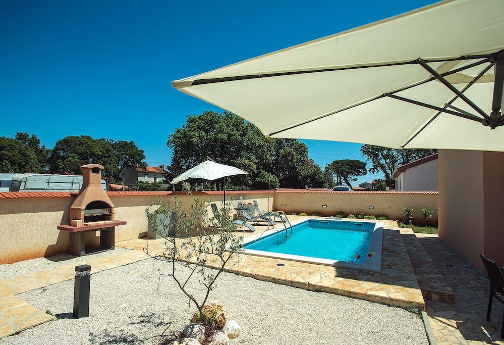 Duplex villa, 6 BR - 2 pools