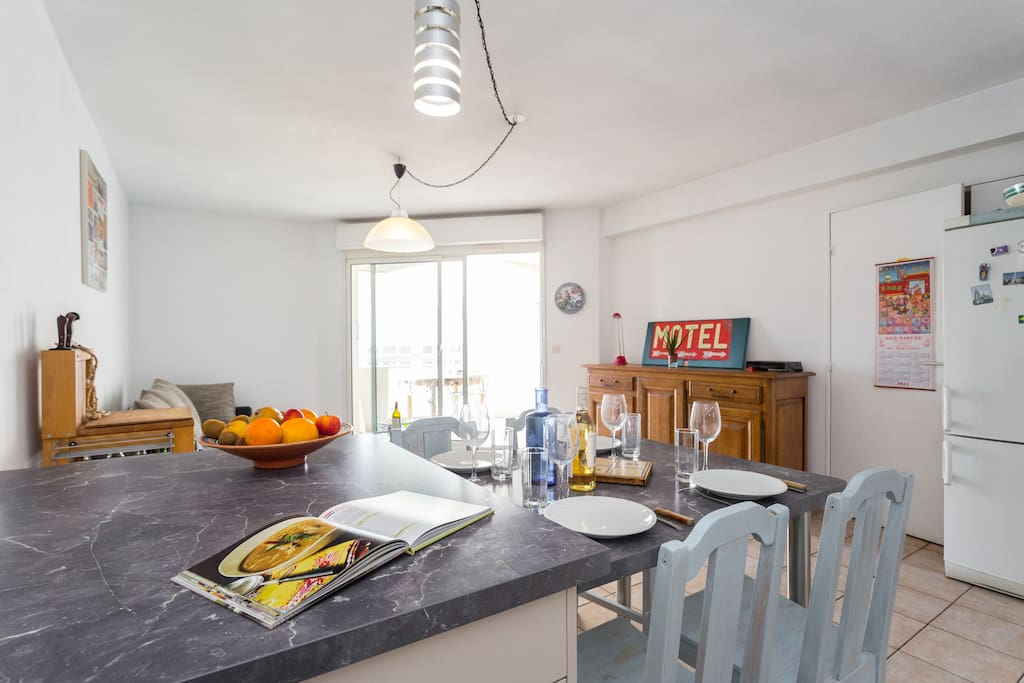 Chambres avec sdb et balcon a nice appartements louer for Chambre a louer nice france