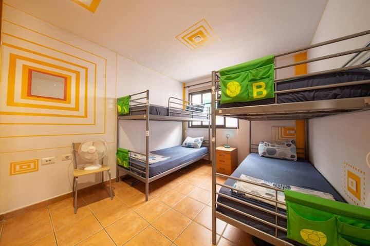 Tortuga hostel 21€ Costa Adeje