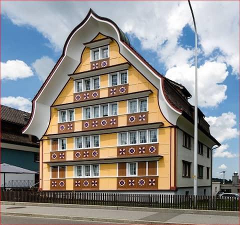 EG: Wohnen im traditionellen Appenzeller Haus!