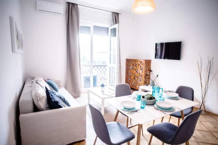 Renovated flat, central location (Nari's aparment)
