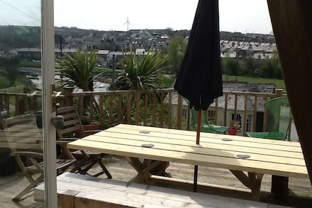 Comfy riverside family home - Wadebridge