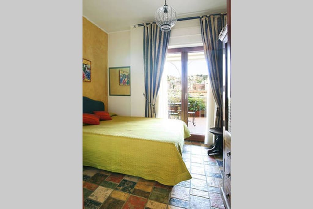 Bed breakfast napoli panoramico bed breakfast zur for Airbnb napoli