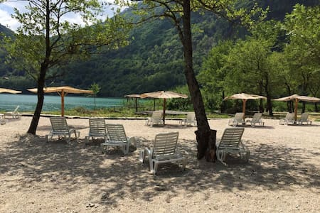 ECO VILLAGE BORACKO JEZERO ( LAKE) - Konjic - Natuur/eco-lodge