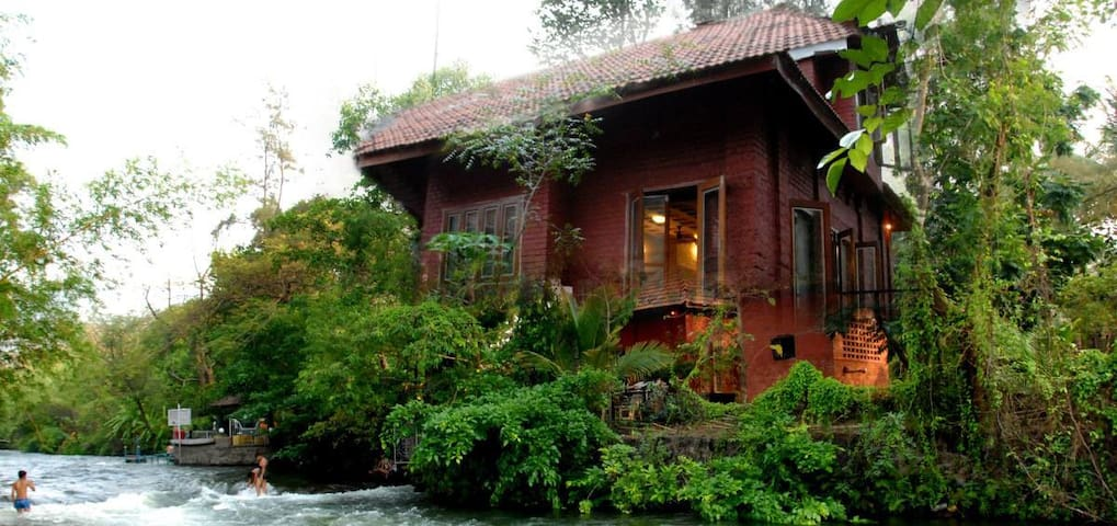 Karjat, The Rippling Edge Gadhok cottage  Tata Rd