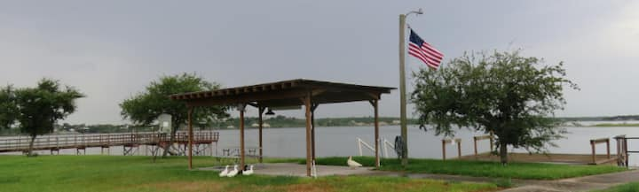 Waterfront Vacation Rental on Lake Corpus Christi