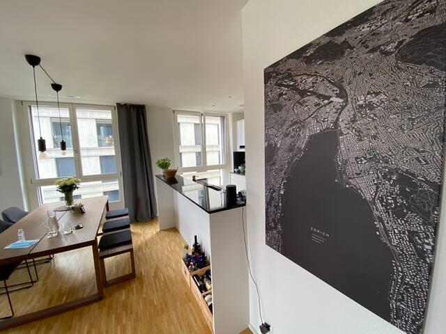 Room in Zurich- Modern, central & clean