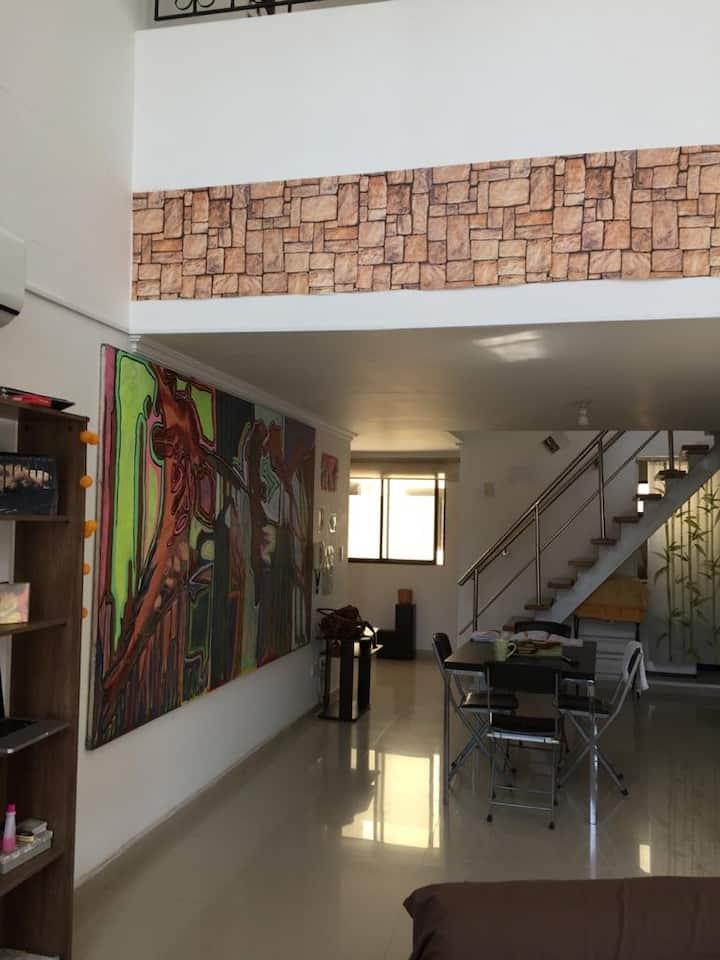Aparta estudio dos pisos en Villa santos
