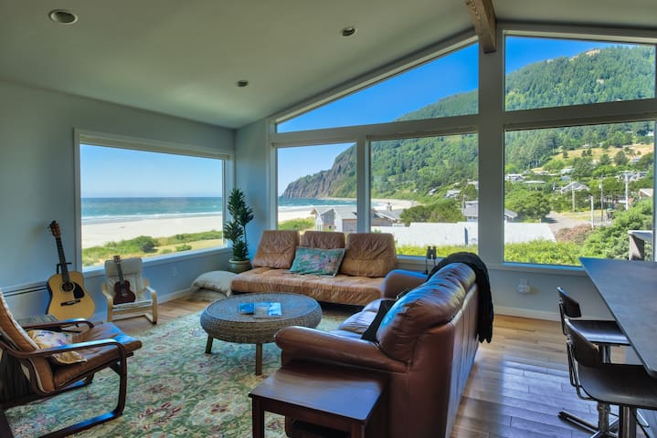 Sauna & Hot Tub with Views of Manzanita Beach