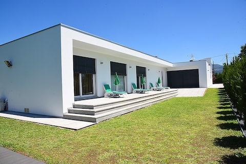 Villa Luxuosa - Entre Caminhos