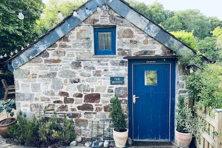 Cosy Cornish bothy, Crossgate