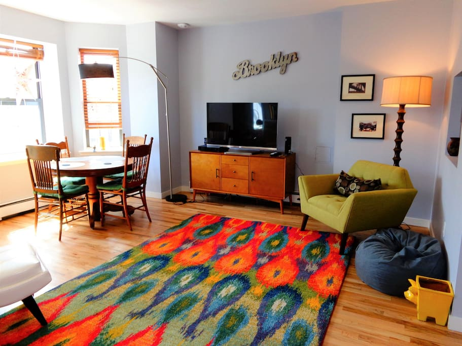 Amenities include free cable TV, free WiFi (Verizon, 150MBps) and an Xbox.