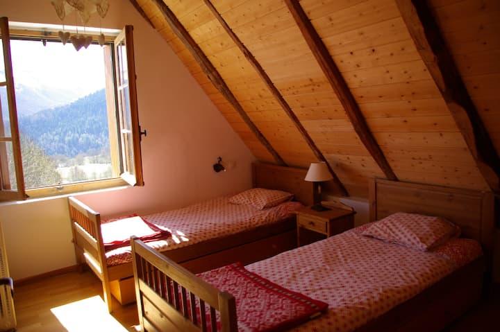 giteauberge La Soulan chambre tween