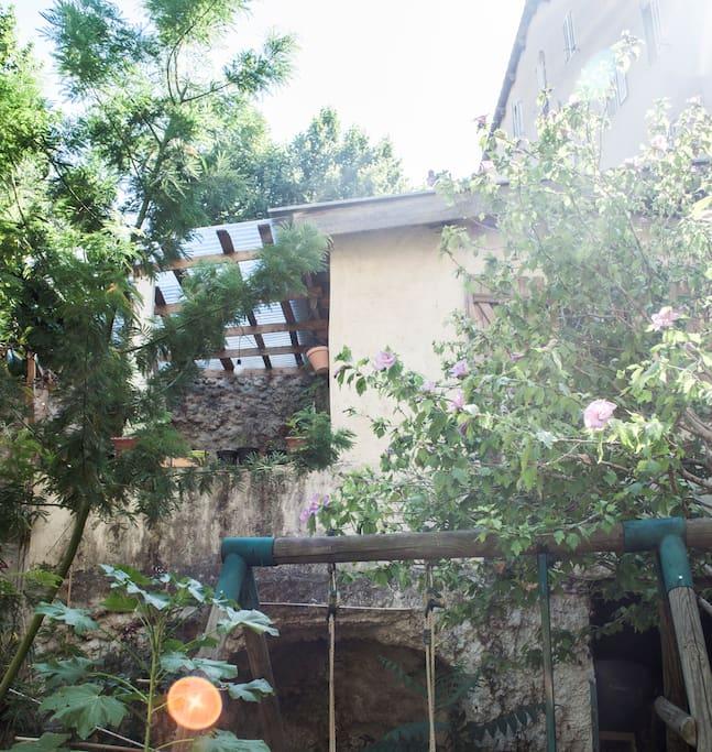 D pendance 12m2 avec terrasse dans jardin gastsuites te - Terrasse jardin londrina quadra marseille ...