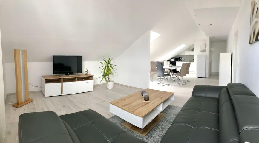 Apartment 3 - Helle & gemütliche Dachwohnung