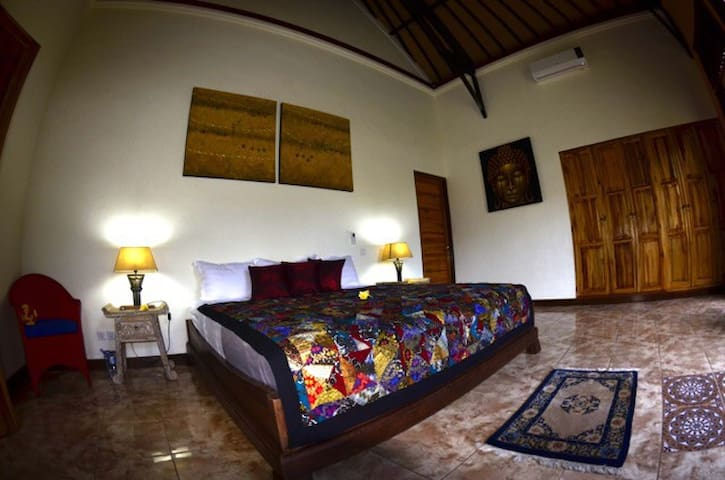 master room, 30 m2 lit de 200x200