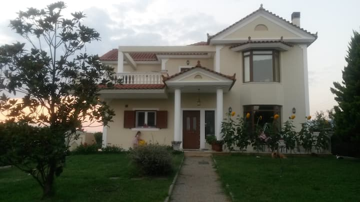 Charming villa with stunning views near Nafplion 2