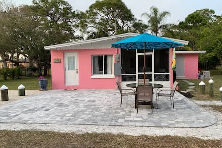 Pink Pineapple Cottage