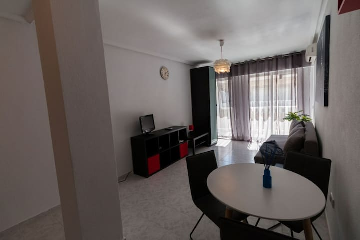 Charming Agata Studio 300m from the beach - Torrevieja - Wohnung