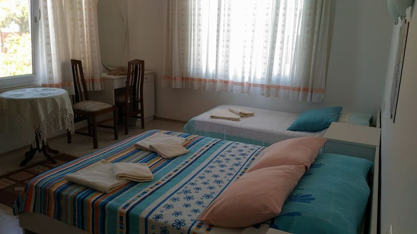 Sea View Room, In The City Centre - Ayvalık - Rumah