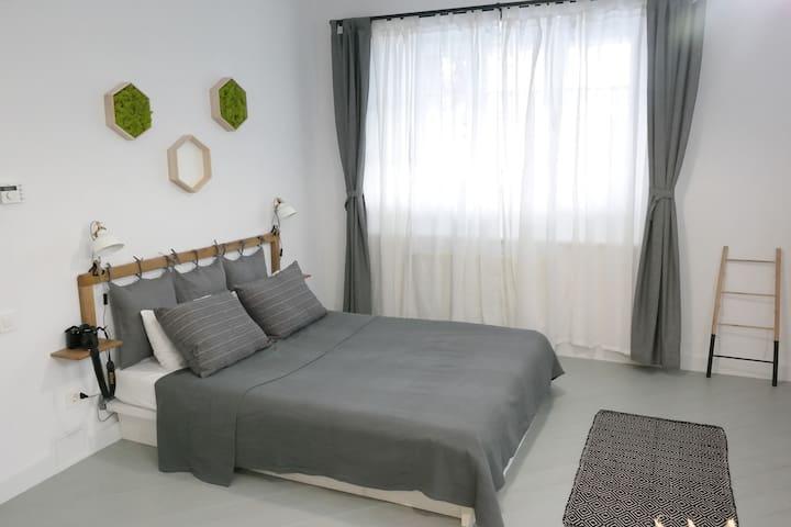 Schuller Residence Studio
