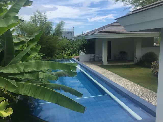 1 Bedroom Poolside Guesthouse