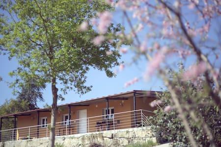 Casa a estrenar a 1000 metros playa - Bueu - House
