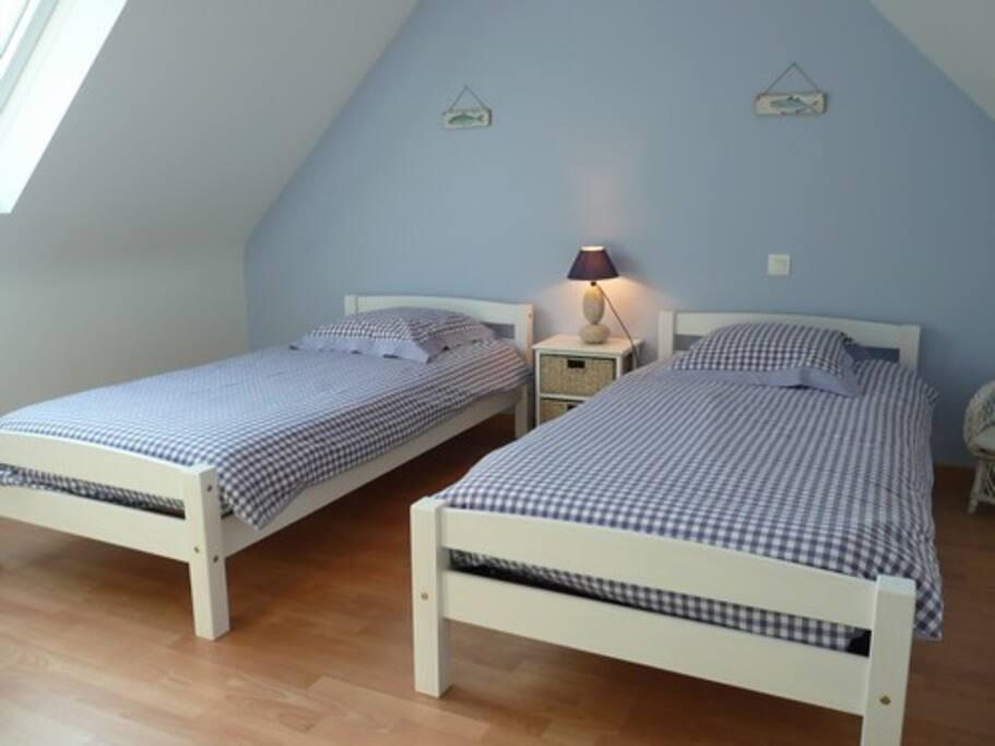chambre 2 lits 90 cm