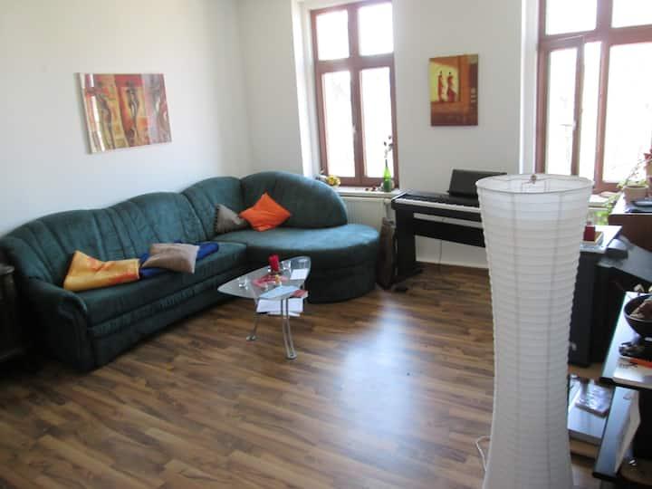 Helle & ruhige Wohnung an Karli