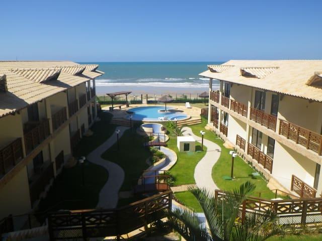 Fantatsic Beachfront Condo - Beberibe - Apartment