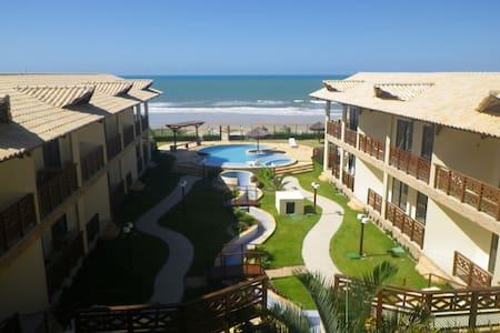 Fantatsic Beachfront Condo - Beberibe - Appartement