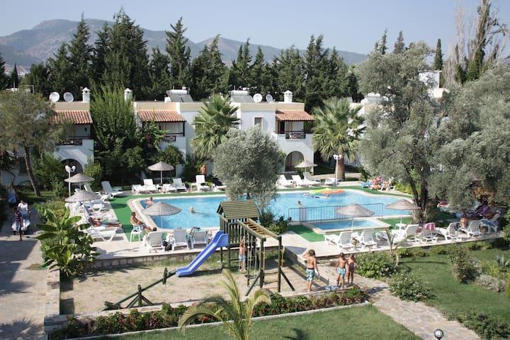Toloman BitezPark Apartments 1+1 - Bitez Belediyesi - Villa
