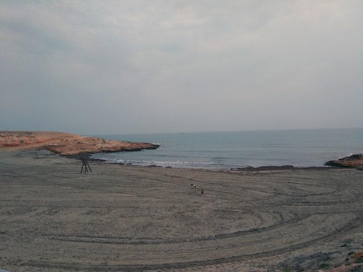 Bungalow con piscina cerca del mar